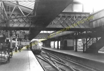Aberdeen Railway Station Photo. Caledonian and Great North of Scotland Joint (15)