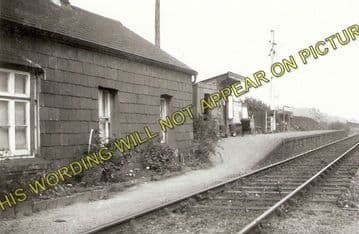 Abererch Railway Station Photo. Pwllheli - Afonwen. Portmadoc Line. (2)