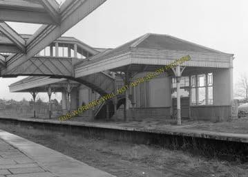 Aboyne Railway Station Photo. Dess - Dinnett. Lumphanan to Ballater Line. (15)