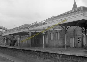 Aboyne Railway Station Photo. Dess - Dinnett. Lumphanan to Ballater Line. (3)