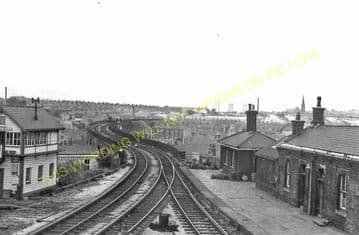 Accrington Railway Station Photo. Burnley to Blackburn and Stubbins Lines. (8)