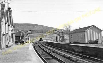 Achnasheen Railway Station Photo. Glencarron - Achanalt. Dingwall Line.  (12)