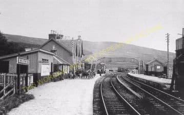 Achnasheen Railway Station Photo. Glencarron - Achanalt. Dingwall Line.  (6)