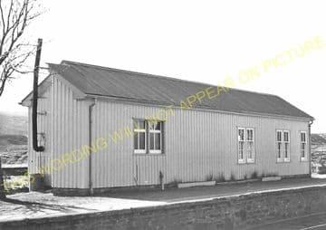 Achnasheen Railway Station Photo. Glencarron - Achanalt. Dingwall Line.  (9)