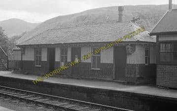 Achnashellach Railway Station Photo. Strathcarron - Achnasheen. Highland (2)