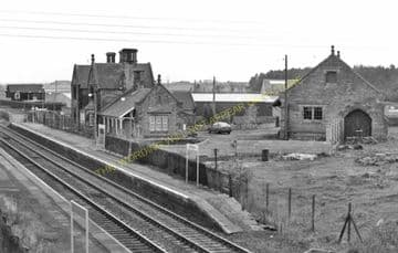 Acklington Railway Station Photo. Chevington - Warkworth. Alnmouth Line. (5)