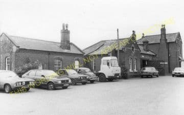 Acle Railway Station Photo. Great Yarmouth - Lingwood. Norwich Line. (6)