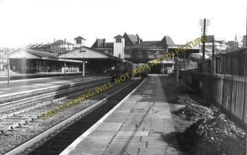 Acton Main Line Railway Station Photo. Paddington - Ealing Broadway Line. (3)