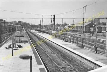 Acton Main Line Railway Station Photo. Paddington - Ealing Broadway Line. (6)