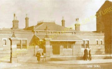 Addiscombe Road Railway Station Photo. Woodside and South Norwood Line. (13)