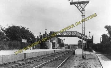 Adisham Railway Station Photo. Shepherdswell - Bekesbourne. Canterbury Line. (3)