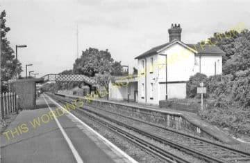 Adisham Railway Station Photo. Shepherdswell - Bekesbourne. Canterbury Line. (7)