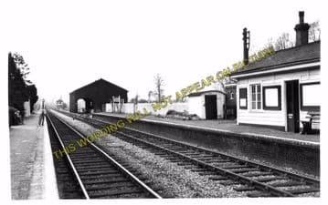 Adlestrop Railway Station Photo. Kingham - Moreton-in-Marsh. (11)