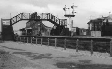 Afonwen Railway Station Photo. Abererch - Criccieth. Pwllheli to Portmadoc. (21)