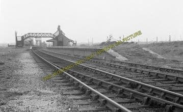 Afonwen Railway Station Photo. Abererch - Criccieth. Pwllheli to Portmadoc. (5)