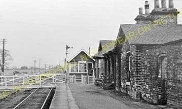 Ainderby Railway Station Photo. Northallerton - Scruton. Leeming Bar Line. (4)