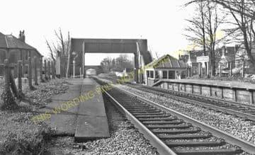 Alberta Place Railway Station Photo. Penarth - Lavernock. Cadoxton Line. (7)