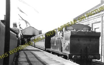 Aldeburgh Railway Station Photo. Leiston & Saxmundham Line. Great Eastern. (1)