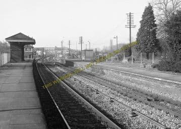 Aldermaston Railway Station Photo. Theale - Midgham. Reading to Newbury. (10)