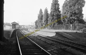 Aldermaston Railway Station Photo. Theale - Midgham. Reading to Newbury. (11)