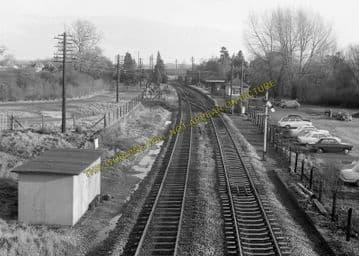 Aldermaston Railway Station Photo. Theale - Midgham. Reading to Newbury. (14)