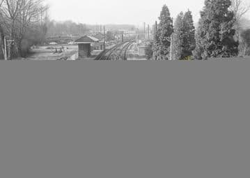 Aldermaston Railway Station Photo. Theale - Midgham. Reading to Newbury. (8)
