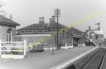 Aldershot North Camp Railway Station Photo. Farnborough - Ash and Guildford (10)