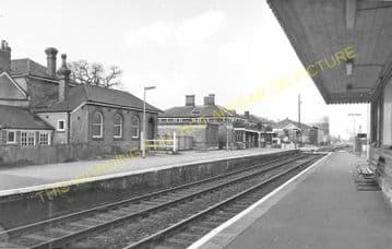 Aldershot North Camp Railway Station Photo. Farnborough - Ash and Guildford (15)