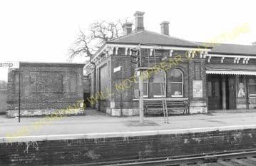 Aldershot North Camp Railway Station Photo. Farnborough - Ash and Guildford (16)