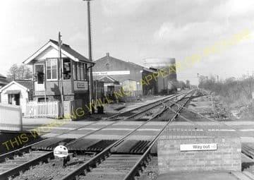 Aldershot North Camp Railway Station Photo. Farnborough - Ash and Guildford (21)