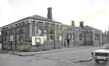 Aldershot North Camp Railway Station Photo. Farnborough - Ash and Guildford (26)