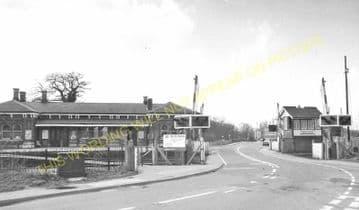 Aldershot North Camp Railway Station Photo. Farnborough - Ash and Guildford (29)