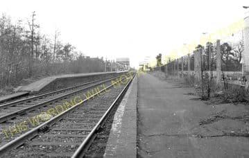 Aldershot North Camp Railway Station Photo. Farnborough - Ash and Guildford (34)