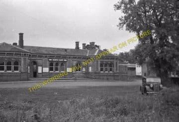 Aldershot North Camp Railway Station Photo. Farnborough - Ash and Guildford (8)