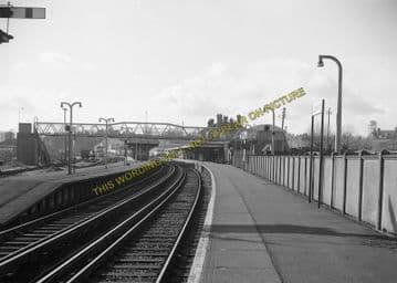 Aldershot Town Railway Station Photo.North Camp & Ash Vale - Farnham. L&SWR (19)