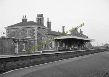 Alford Town Railway Station Photo. Willoughby - Aby. Authorpe Line. (7)