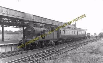 Allhallows-on-Sea Railway Station Photo. Stoke Juntion Line. Isle of Grain. (9)