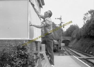 Alresford Railway Station Photo. Ropley - Itchen Abbas. Alton to Winchester (17)