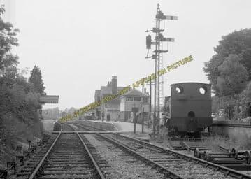Alresford Railway Station Photo. Ropley - Itchen Abbas. Alton to Winchester (20)