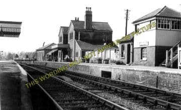 Alresford Railway Station Photo. Ropley - Itchen Abbas. Alton to Winchester (21)