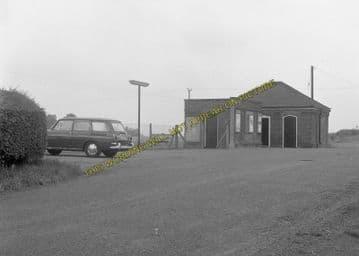 Althorne Railway Station Photo. Fambridge - Burnham-on-Crouch Line. (12)