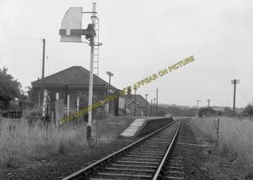 Althorne Railway Station Photo. Fambridge - Burnham-on-Crouch Line. (5)