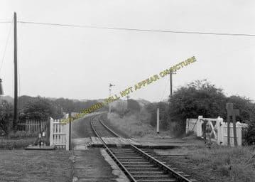 Althorne Railway Station Photo. Fambridge - Burnham-on-Crouch Line. (9)