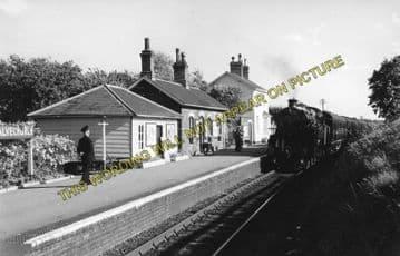Alvechurch Railway Station Photo. Barnt Green - Redditch. Alcester Line. (2)