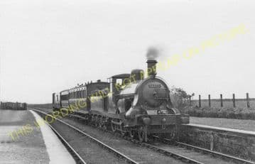 Alves Railway Station Photo. Mosstowie to Kinloss and Hopeman Lines. (1)