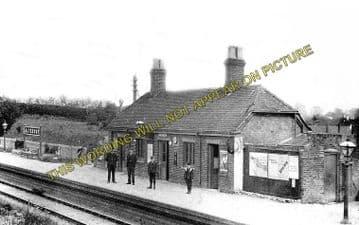 Alvescot Railway Station Photo. Bampton - Kelmscott. Oxford to Fairford Line (2)