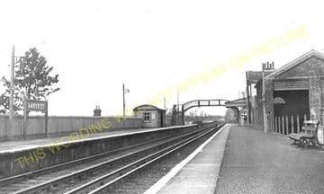Amberley Railway Station Photo. Pulborough - Arundel. Littlehampton Line. (1)