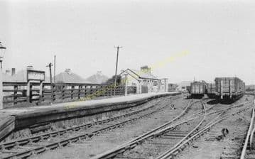 Amble Railway Station Photo. Broomhill and Chevington Line. North Eastern. (8).