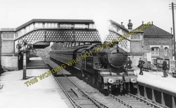 Amersham Railway Station Photo. Chalfont & Latimer - Great Missenden. (3)