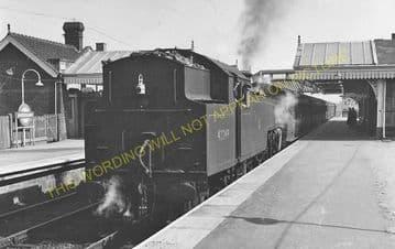 Amersham Railway Station Photo. Chalfont & Latimer - Great Missenden. (4)